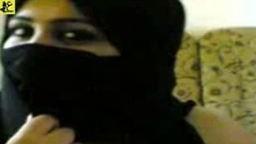افلام سكس نيك محجبات عربي شرموطة سورية محجبة جسمها لبن تعمل لايف كام