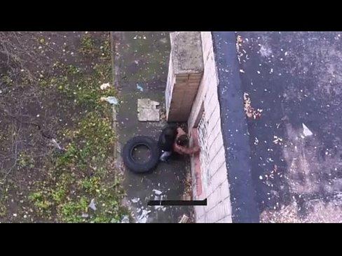 روسية تتناك في الشارع العام !! نارر وتصرخ