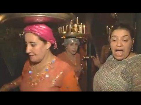دار دعارة في مراكش للأجانب رقص وغيرها