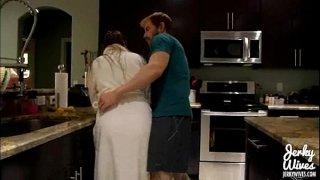 فيديو افلام سكس نيك اخوات مراهق يقوم باغتصاب اخته في الحمام