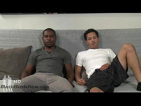 شاذ أمريكي أسود ينيك صديقه في الموبل