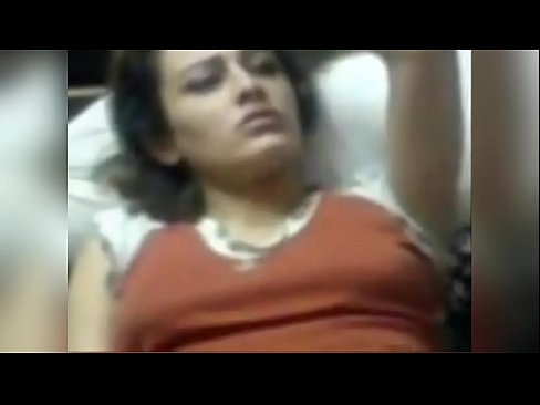 شرموطة سورية تتناك !! وتهرول من الشهوة