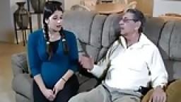 الاب ينيك بنته الحامل ويلقحها بلبنه افلام سكس نيك محارم اجنبي