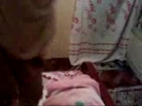 شرموطة مصرية مولعة تتناك مع حبيبها في السرير محارم2018