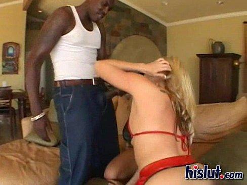 ميلف هايجة تتناك من عامل في المنزل