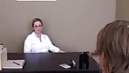 الدكتورة تتناك من المريض في العيادة نيك قوي افلام سكس نيك اجنبي