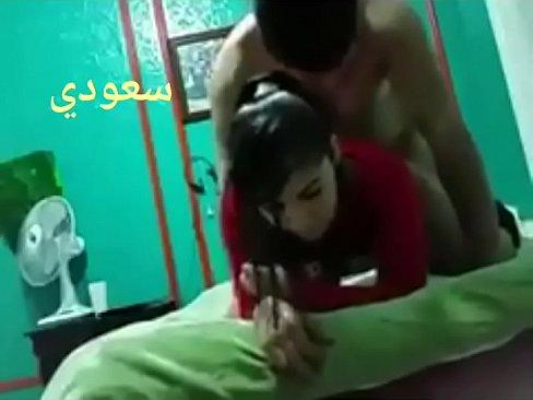 سعودية ينيك إبنة أخته الصغيرة بقوة !!!