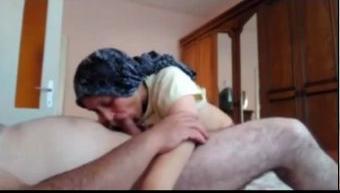 زوجه قحبه مش عايزه جوزها ينام قبل ماينكها