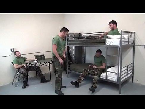شواذ في سجن العسكري !! يمارسون الجنس