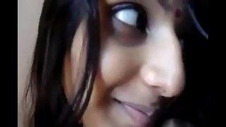 افلام سكس نيك قصص مترجم فتاة ممحونة تترك باب الحمام مفتوح لاخيها وهي عاريه