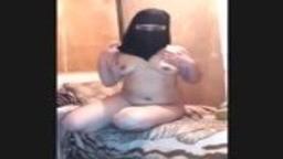 مقطع افلام سكس نيك عرب شرموطة سورية محجبة تتناك من صبي في عمر ابنها افلام سكس نيك محجبات عربى