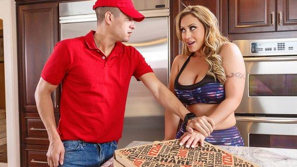 افلام سكس نيك برازر نياكة ساخنة بطعم البيتزا ZZ Pizza Party: Part 1