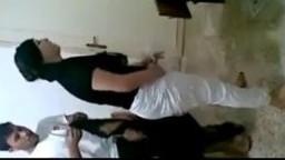 عراقي ينيك اخته وصديقه يصور افلام سكس نيك محارم عربي افلام سكس نيك محارم عراقي افلام سكس نيك عراقي نيك محارم