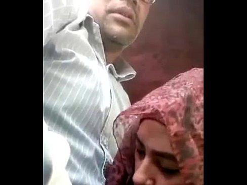 برلماني وشرموطة تتناك وتمص !!! فضيحة