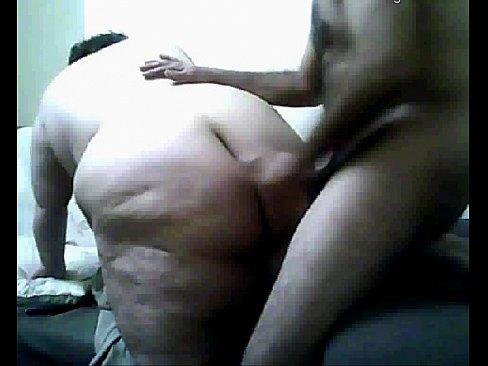 تركية سمينة مربربة تتناك من طيزها الكبير