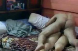 زوجه شرموطه بتدعب نفسها وتنطر سبعات قبل النوم